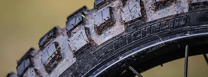 moto edito anakee wild 26 tyres