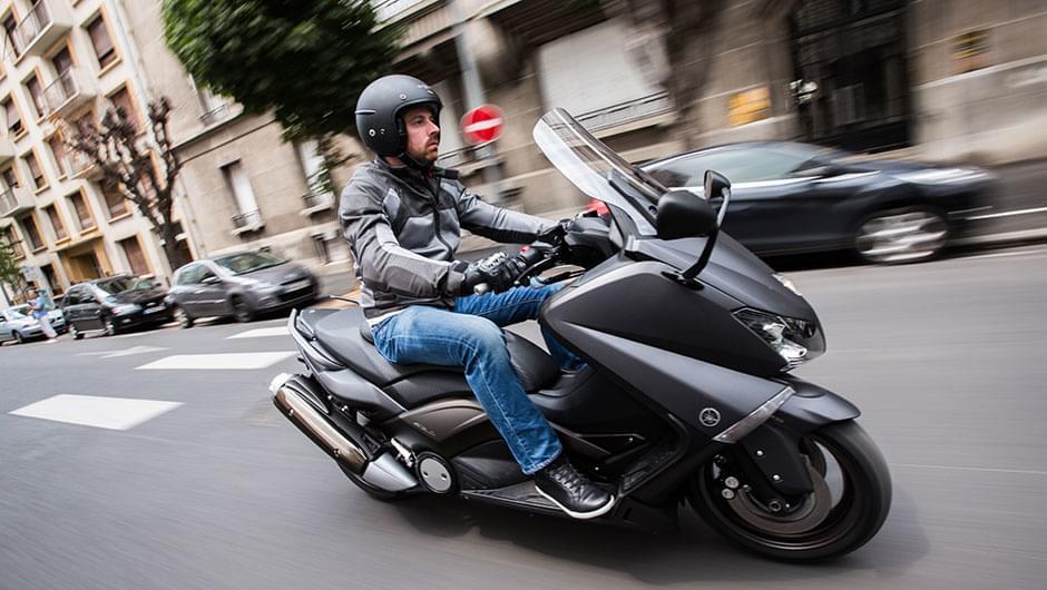 moto edito pilot power 3 scooter