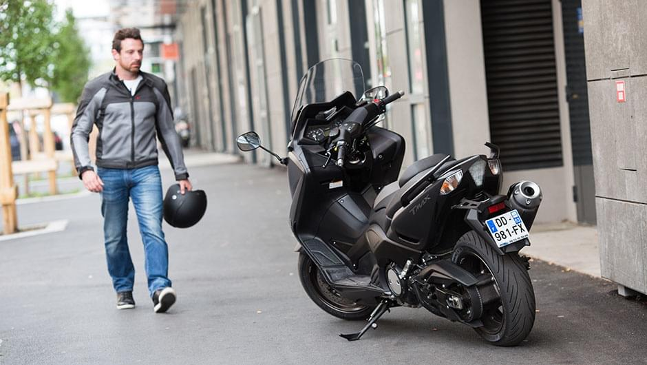 オートバイ エディット pilot power 3 scooter タイヤ