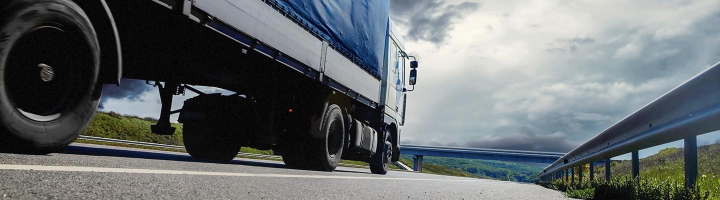 truck tyre ; haulage ; lorry